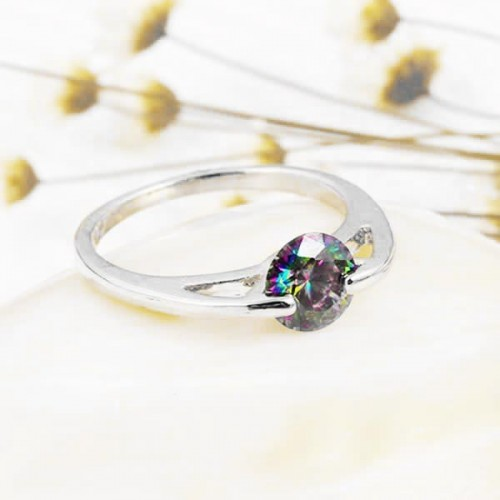 silberfarbener Ring mit rundem vitrail Zirkon als Modeschmuck Fingerring