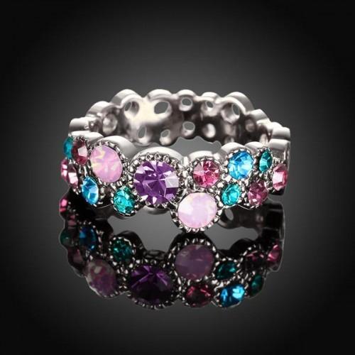 Filigraner silberfarben Ring mit verschiedenen bunten Strasssteinen als Modeschmuck Fingerring