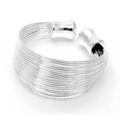 versilberter Ring aus mehreren Silbersträngen als Modeschmuck Fingerring