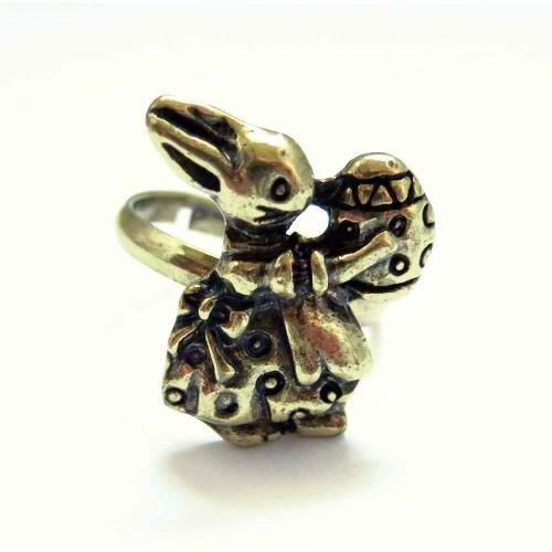 Osterhasen Ring in antikgoldfarben mit Osterei als Modeschmuck Fingerring
