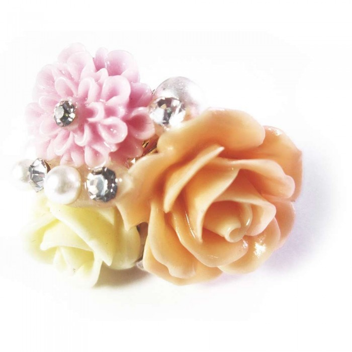 Pastellfarbener Ring mit Blumen und Strass als Modeschmuck Fingerring