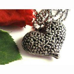 Kette mit großem Herzanhänger silberfarben Modeschmuck