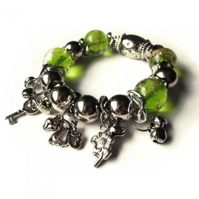 Bettelarmband mit großen hellgrünen Glasperlen und silberfarbenen Perlen Modeschmuck