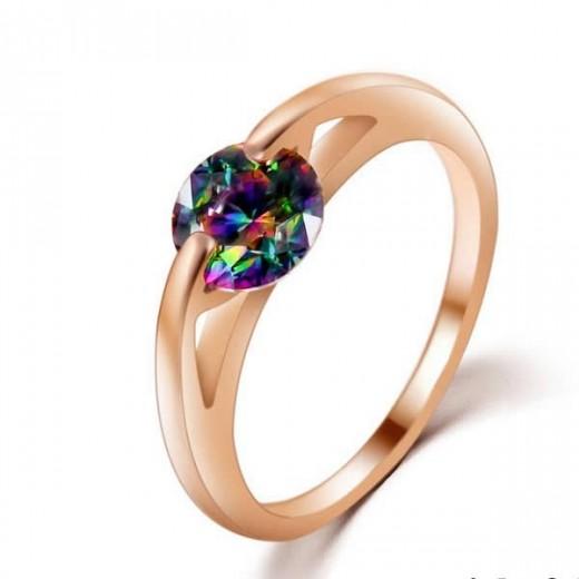 Filigraner Ring in rosegold mit vitrail Strass Stein in der Mitte als Modeschmuck Fingerring
