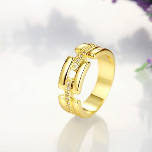 Filigraner gold Ring mit transparenten Zirkonen als Modeschmuck Fingerring