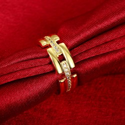 Filigraner gold Ring mit transparenten Zirkonen als Modeschmuck Fingerring