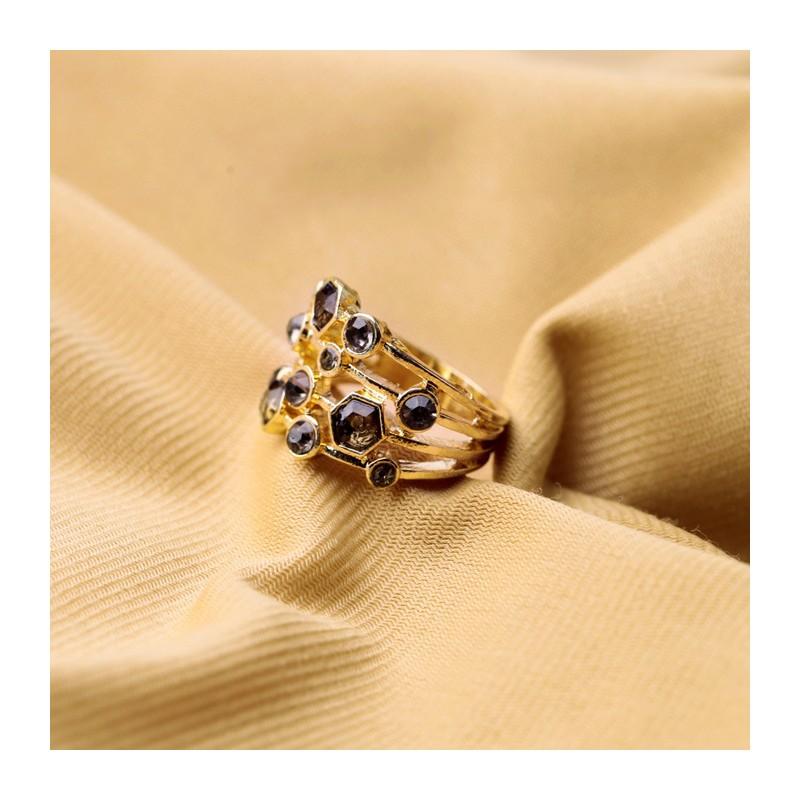 Modeschmuck gold ring  Filigraner gold Ring mit schwarzem Strass als Modeschmuck Fingerring