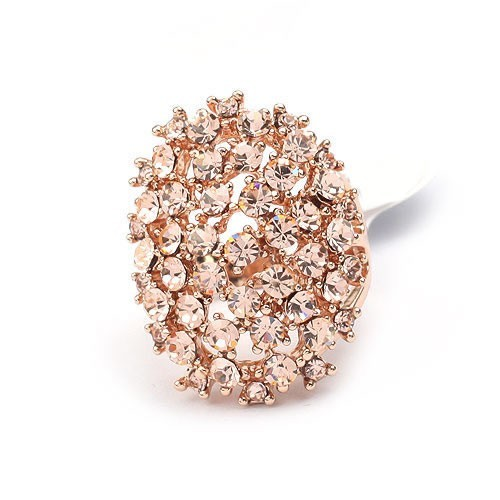 Opulenter, ovaler rosegoldfarbener Ring mit hellrosa Strasssteinen Modeschmuck Fingerring